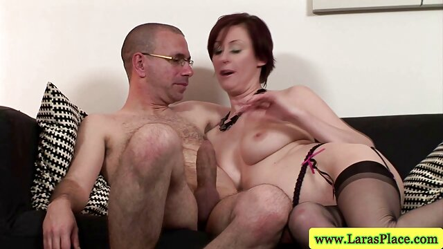 Milana obtiene un orgasmo violento sin fin muy zorras madre e hijo de un masaje sexual