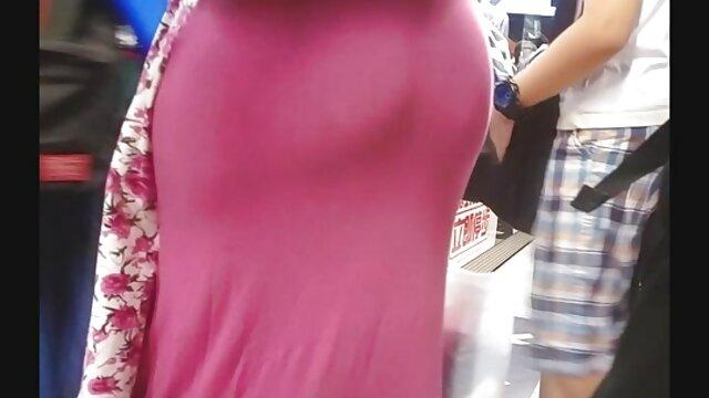 Chica rusa con tetas apretadas chupada mama hija y novio xxx y rebotada en una polla
