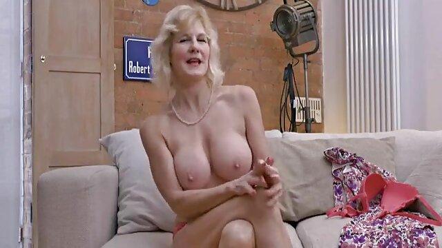 Nudistas golpean la mamas y hijas xxx lente de una cámara oculta