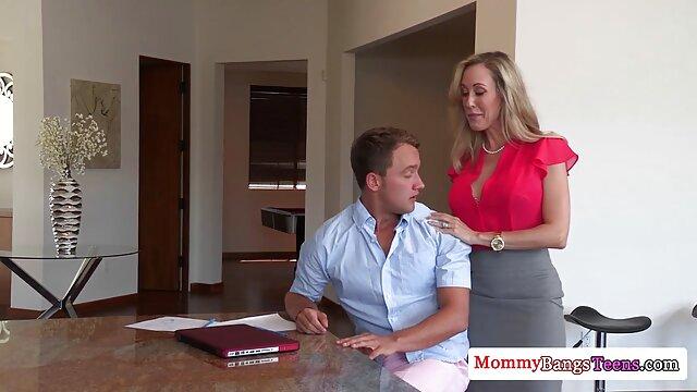 Madura bronceada filmada videos de xxx madre e hijo en secreto en la playa