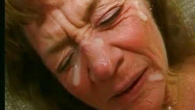 Esposa madre e hijo españoles follando engaña a su marido delante de él y él se excita