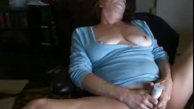 Madre hermosa sedujo a un chico anime porno madre e hijo para sexo caliente