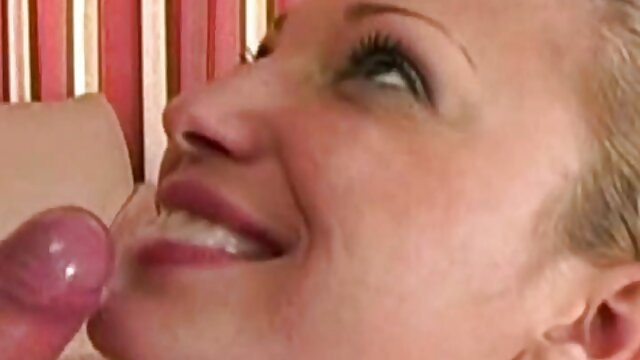 Belleza sexy se quita xvideos madres e hijas las pantimedias eróticamente