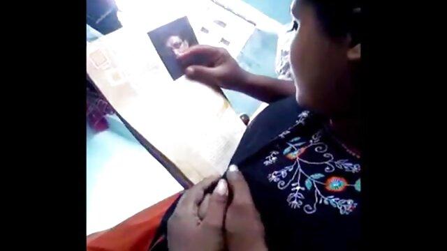 Juegos de videos xxx de madres e hijos rol de una hermosa niña y su novio