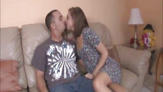 Coño embarazada acaricia su follando con la madre de su novia cuerpo redondeado