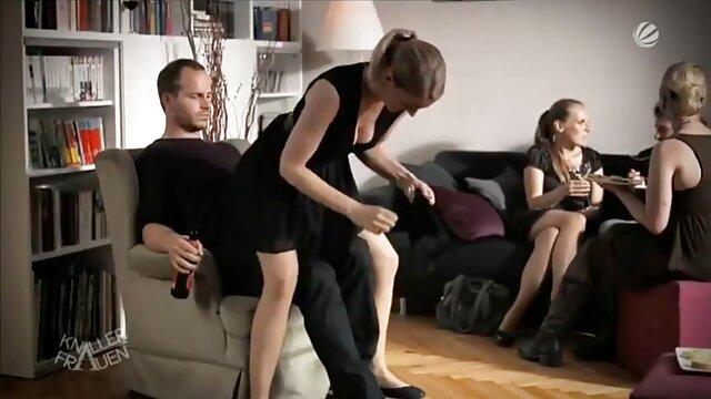 Recopilación de xxx mamas calientes porno con viejas mostrando sus coños