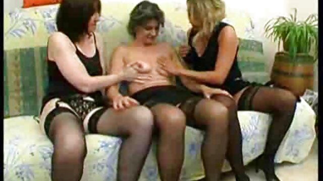 Pervertido pervertido creampied su madre follando atractiva hermana
