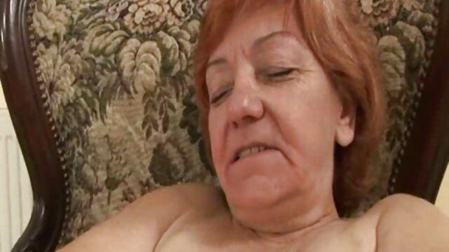 Linda gorda folla en diferentes posiciones con su xxxn mama amante