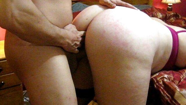 Cámara oculta filma sexo apasionado madre e hijo xxx gratis en el baño